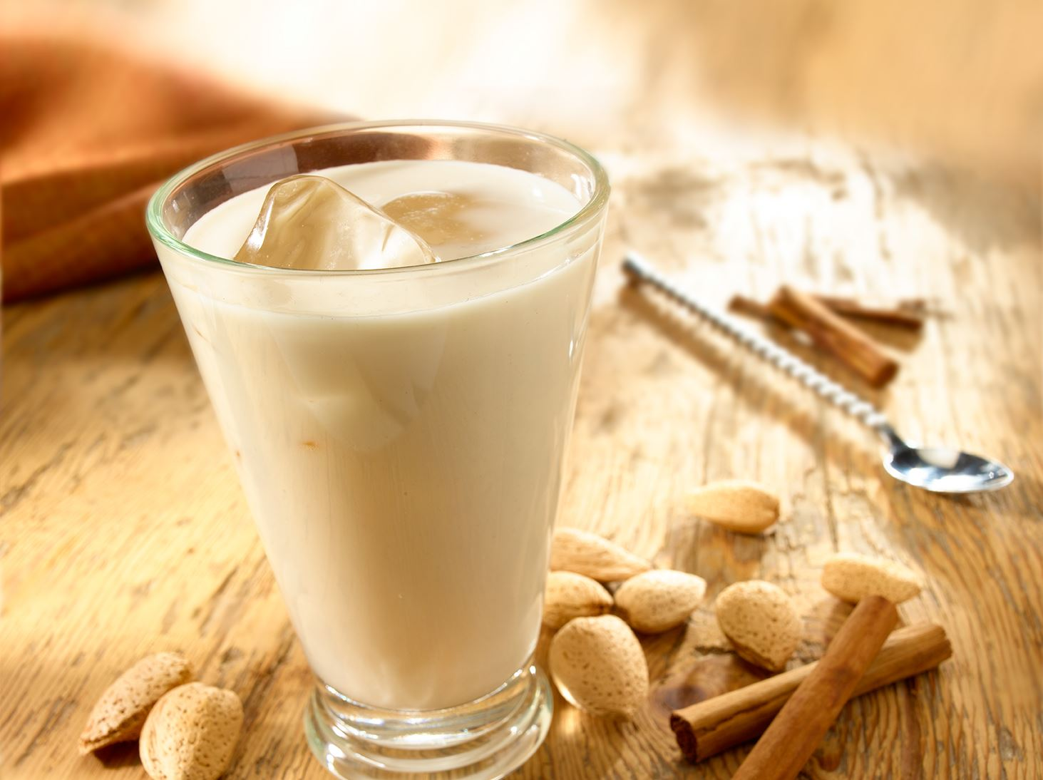 Horchata – Mexican-Style Almond and Rice Drink