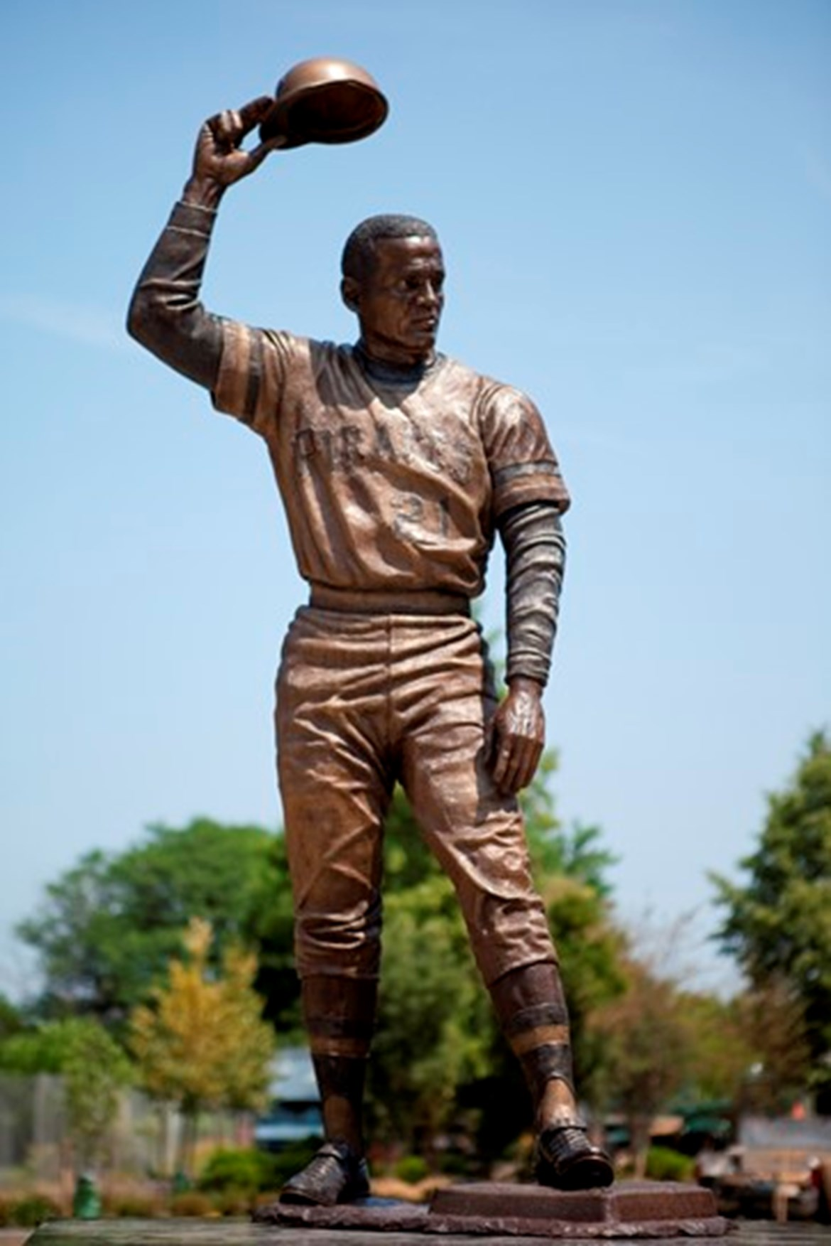 GOYA FOODS HONORS THE LIFETIME ACHIEVEMENTS OF ROBERTO CLEMENTE & UNVEILS LIFE SIZE STATUE AT ROBERTO CLEMENTE STATE PARK
