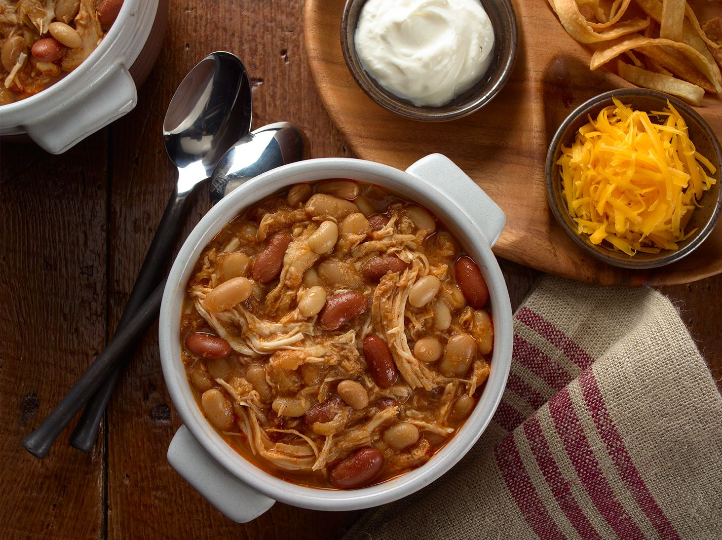 Slow Cooker Shredded BBQ Chicken Chili