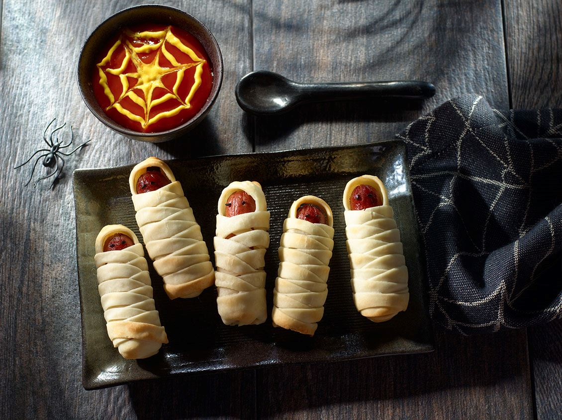 Mummy Hot Dog Wraps